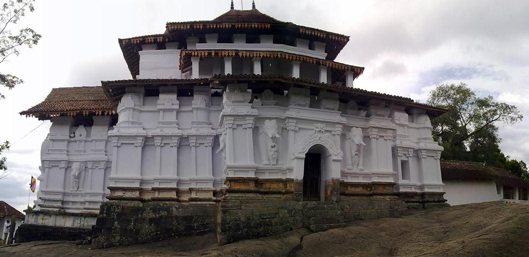 gadaladeniya_temple